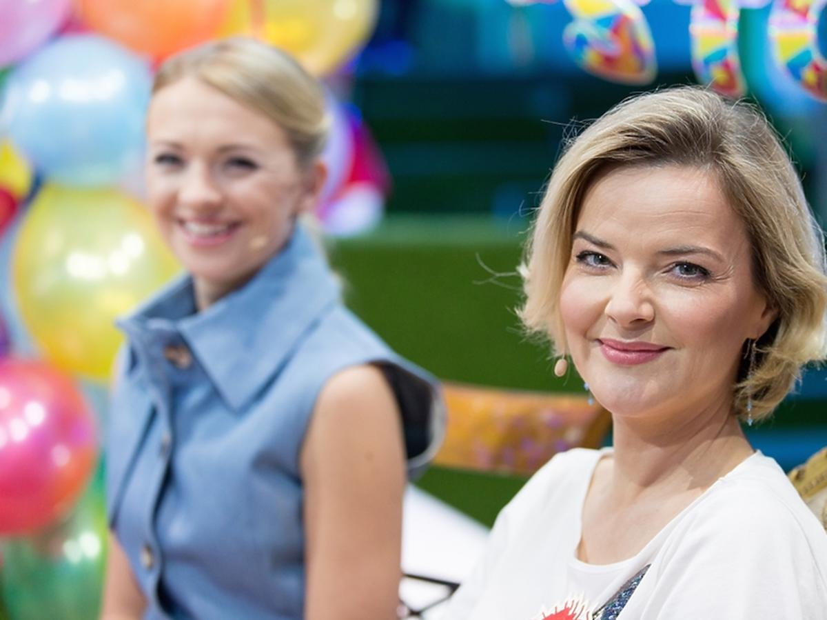 Monika Zamachowska w białej bluzce