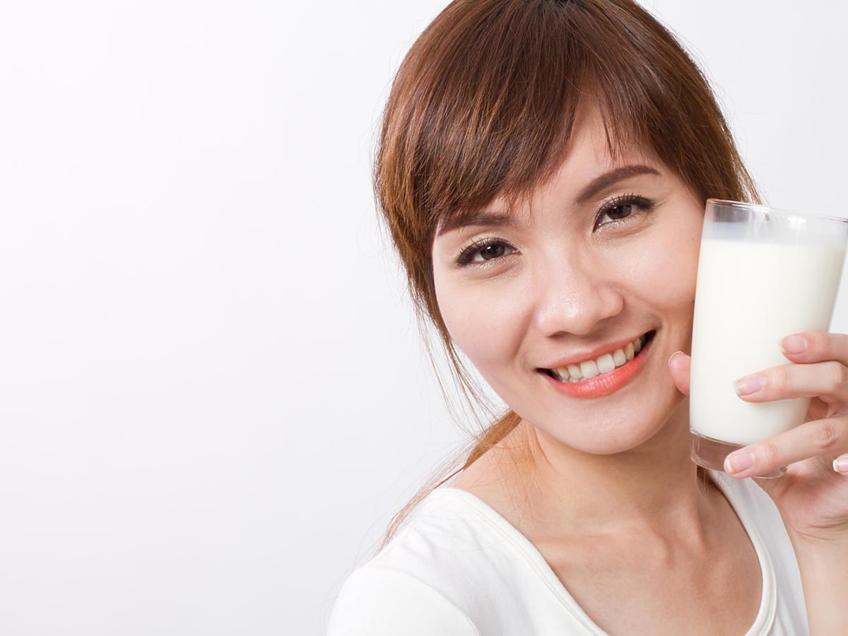 mycie twarzy mlekiem