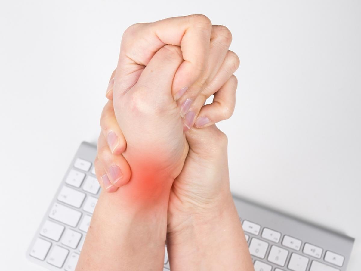 Nadgarstek z bólem stawowych