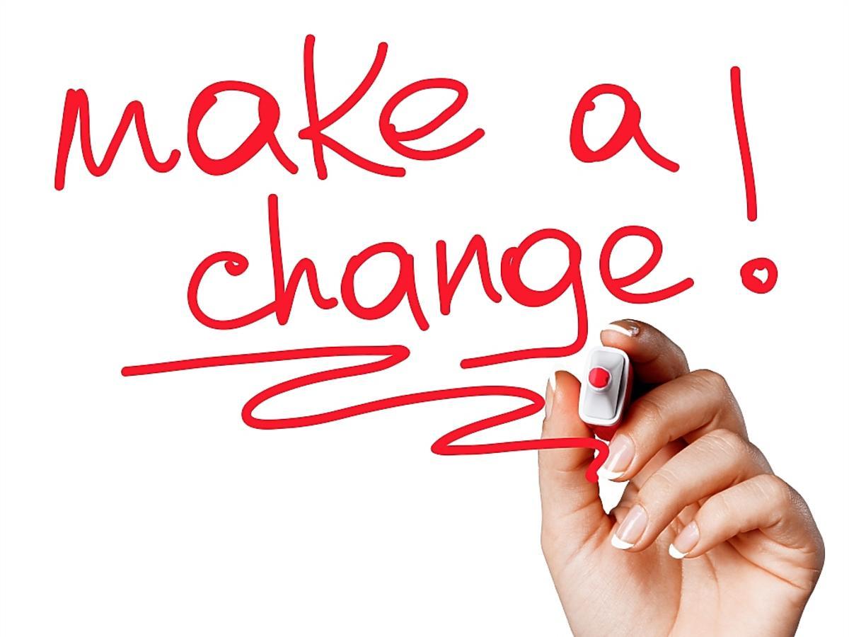 Napis motywacyjny: zmień coś