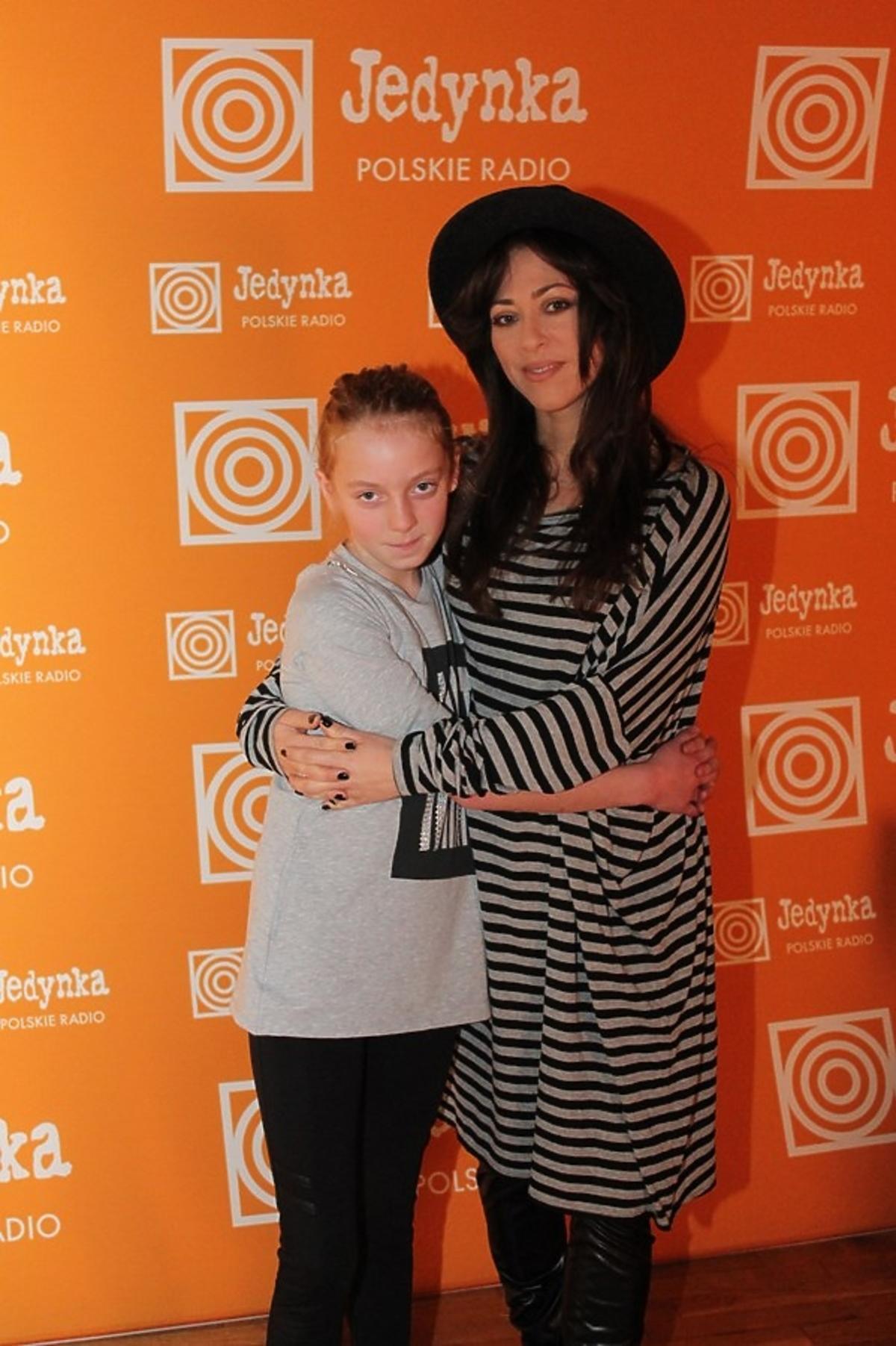 Natalia Kukulska z podopieczną SOS Wiosek Dziecięcych
