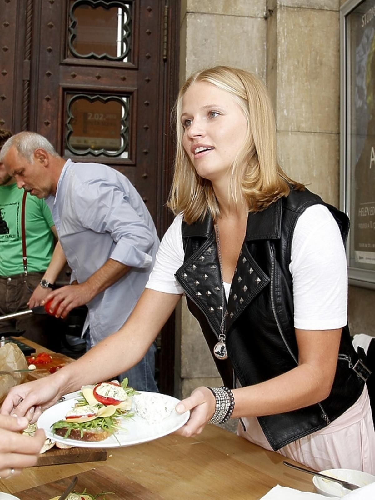 Natalia Rybicka na śniadaniu z aktorami w Teatrze Studio