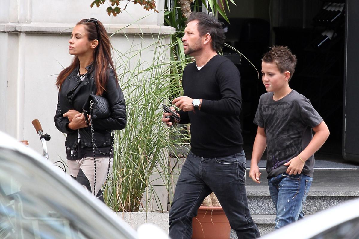 Natalia Siwiec na spacerze z mężem Mariuszem i jego synem Mateuszem