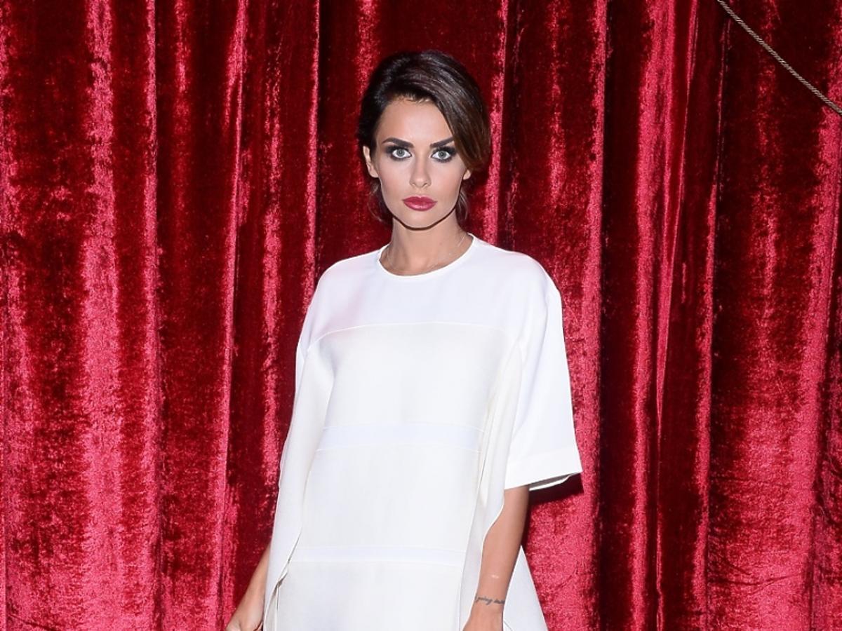 Natalia Siwiec w białej sukience