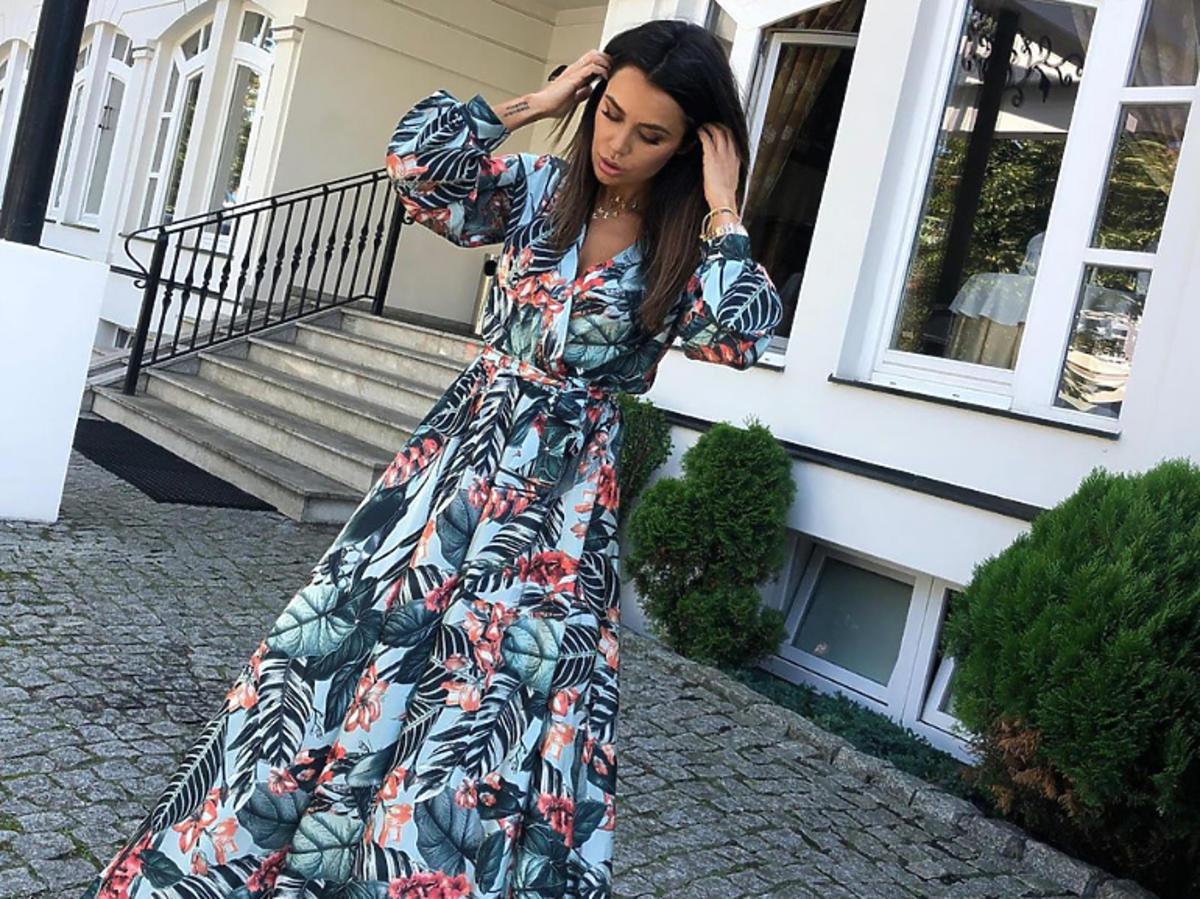Natalia Siwiec w sukni w kwiaty
