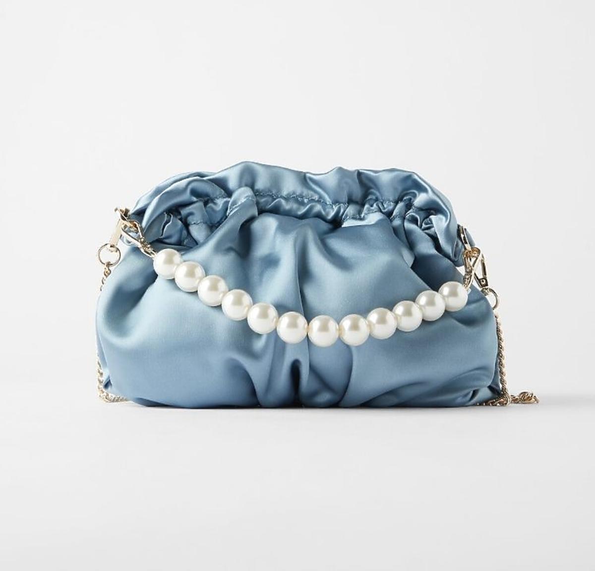 Niebieska torebka z perłami z Zary
