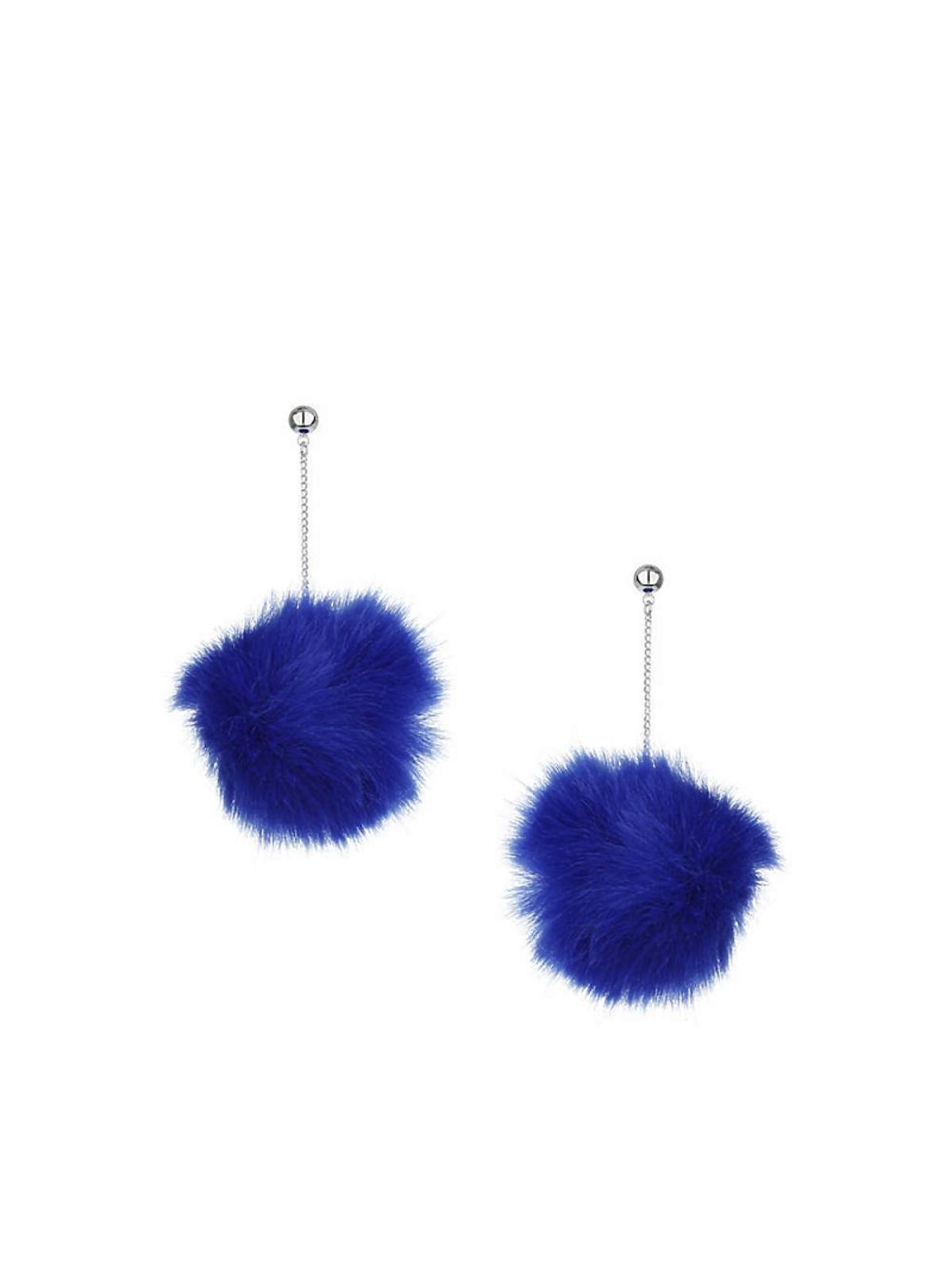 niebieskie futrzane kolczyki