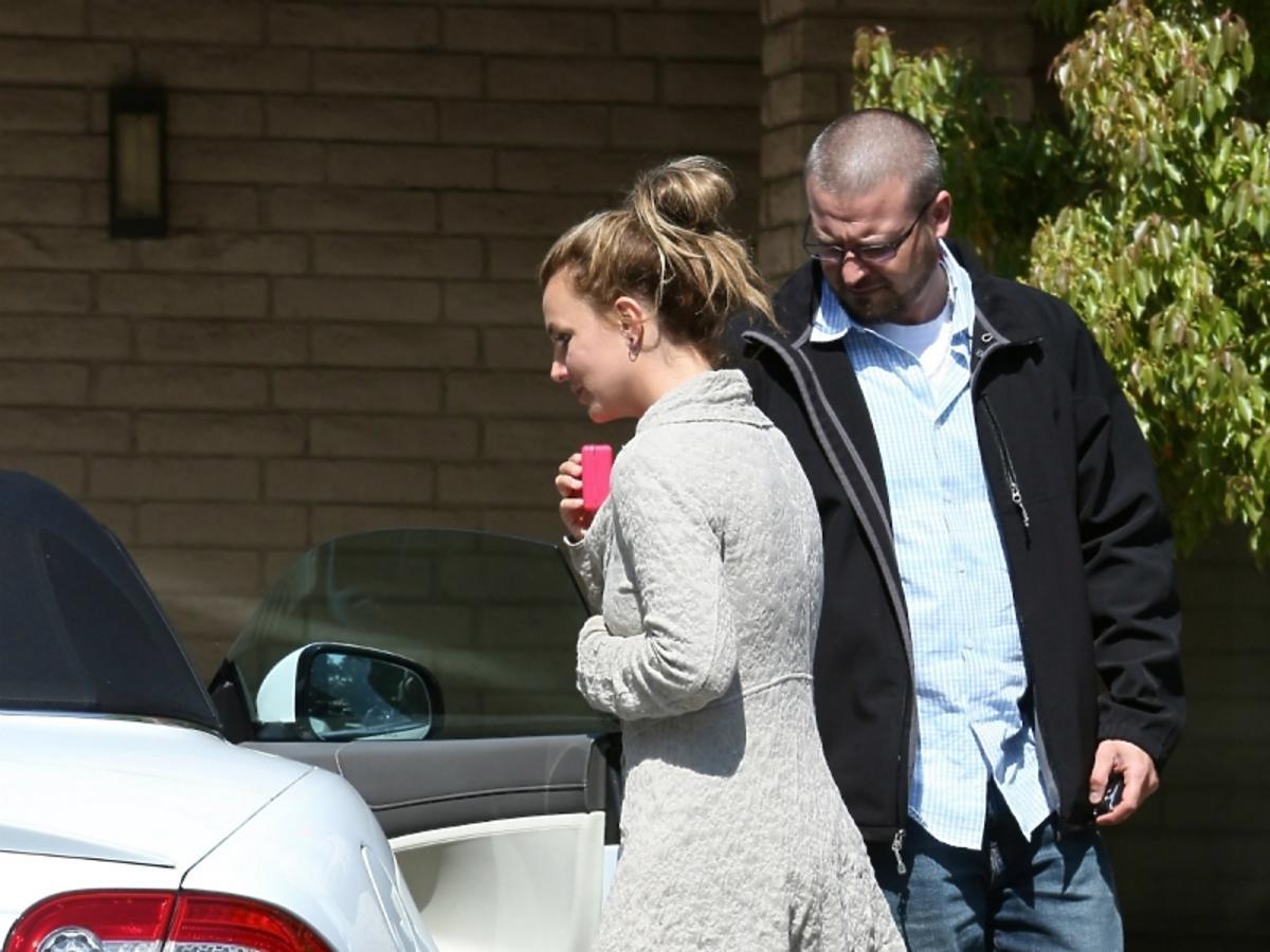 Niechlujna Britney Spears w piżamie
