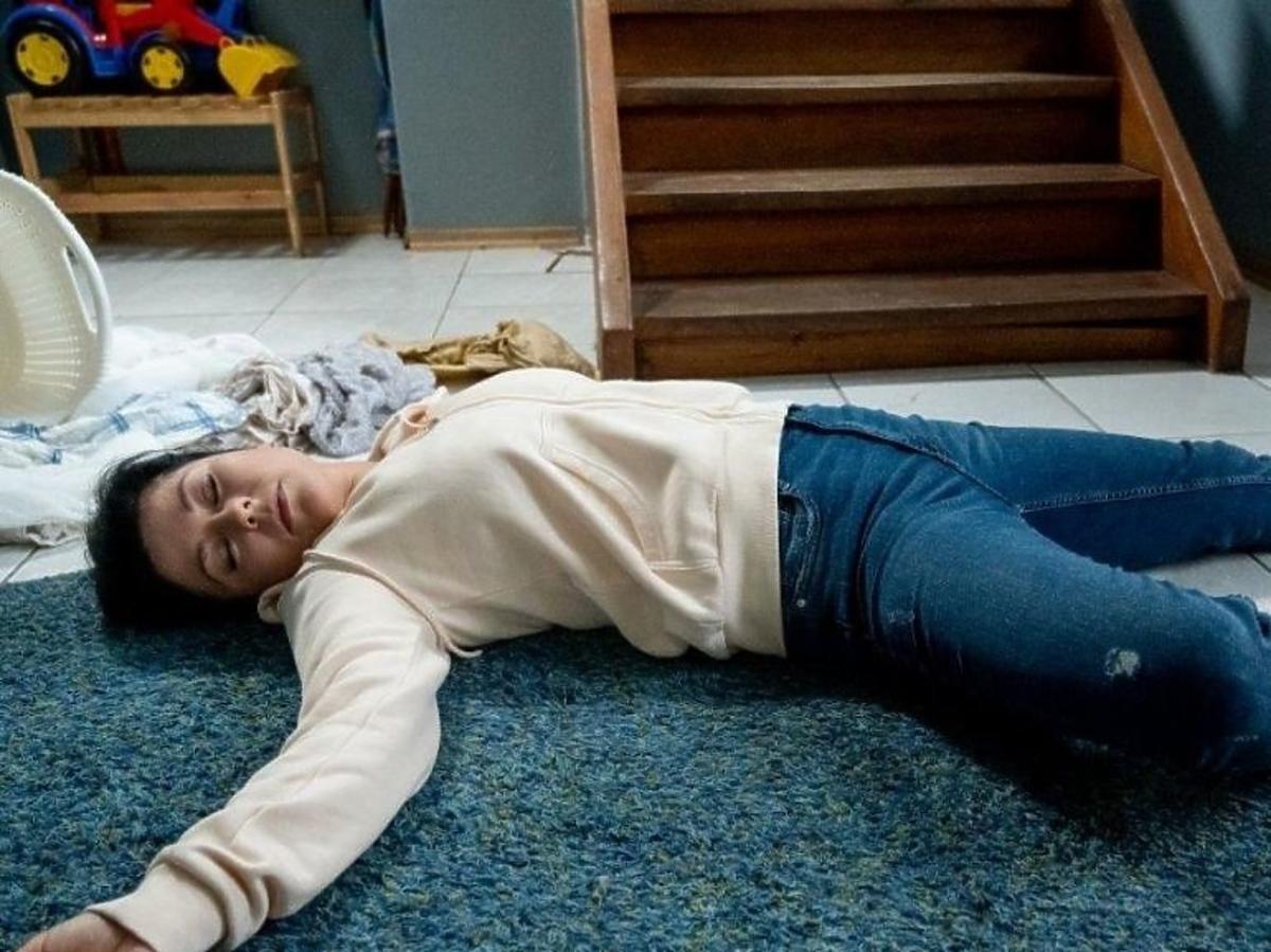 Nieprzytomna Kinga  po upadku ze schodów M jak miłość