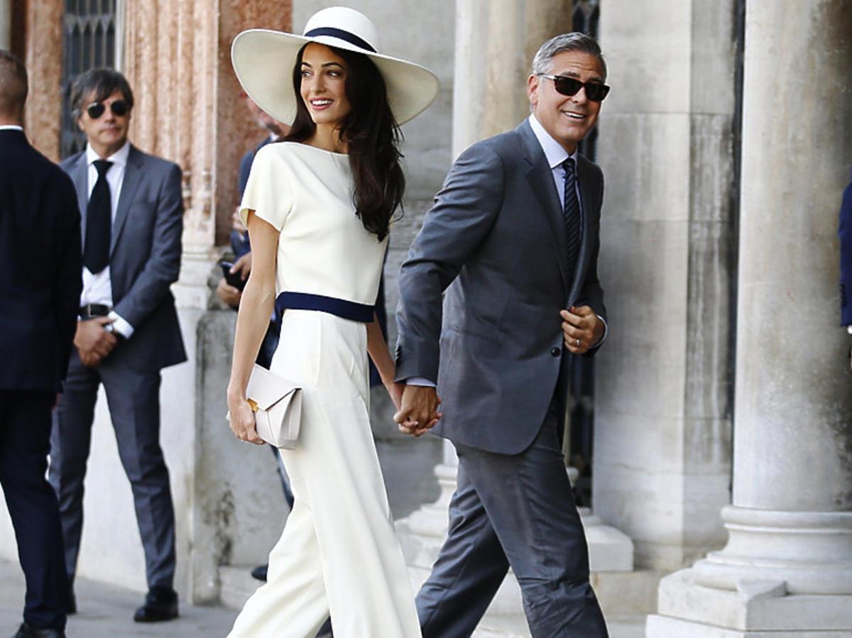 Nietypowe suknie ślubne gwiazd - Amal Clooney