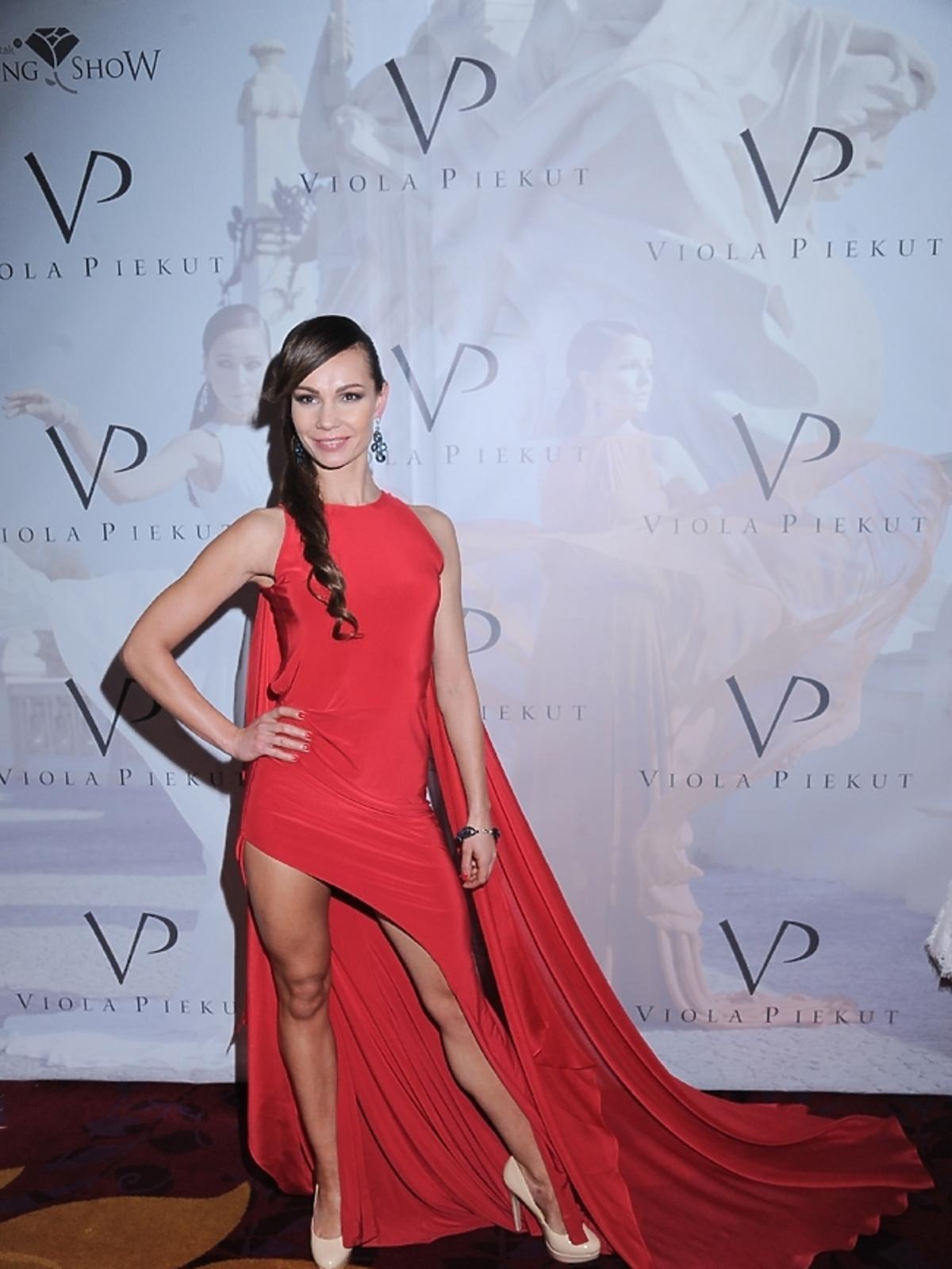 Nina Tyrka na pokazie Violi Piekut podczas Wedding Show