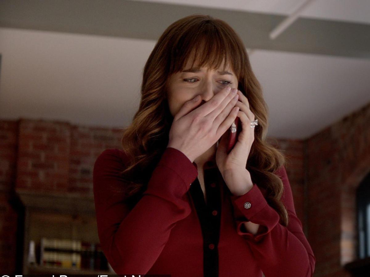Nowe oblicze Greya - Ana płacze