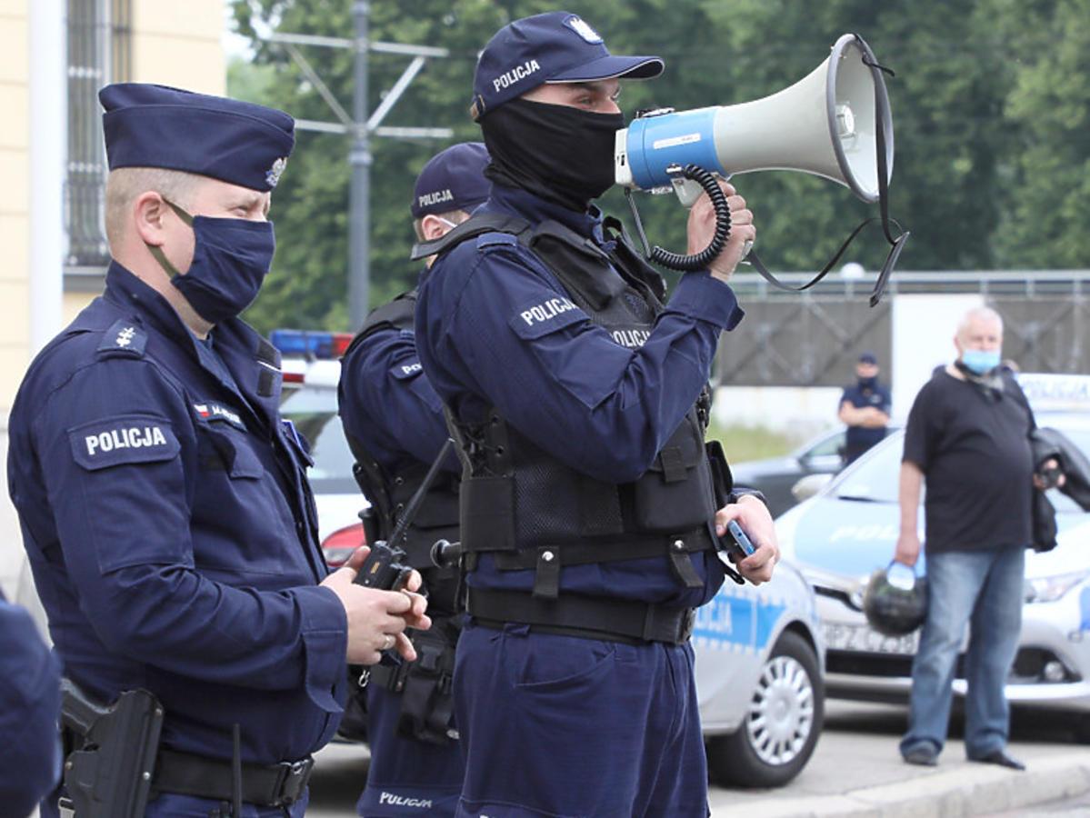 Obostrzenia koronawirus policja