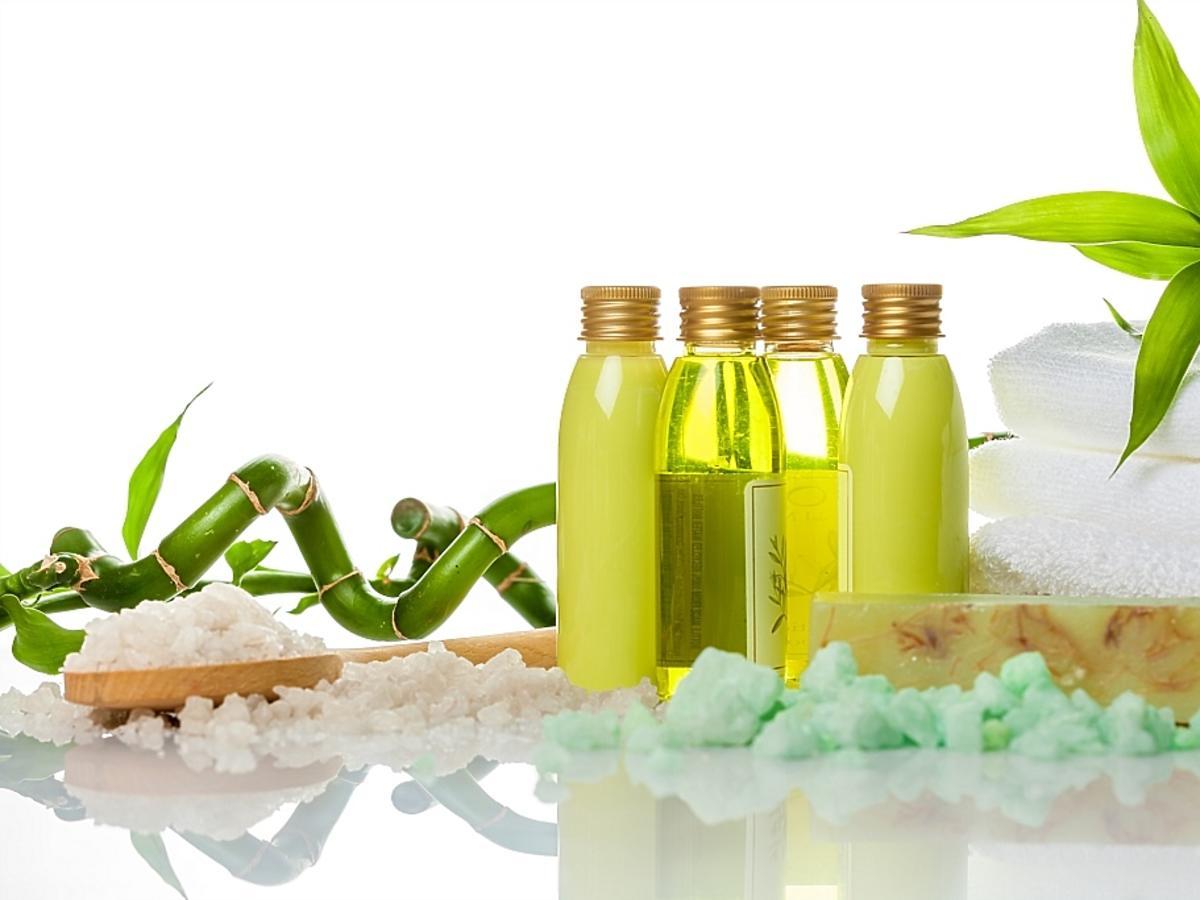 olejek herbaciany w małych butelkach