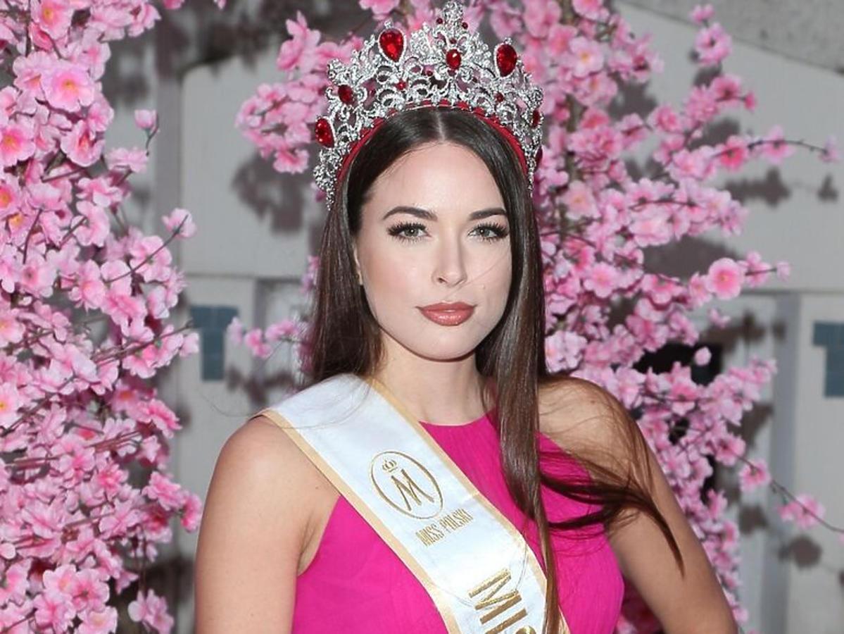 Olga Buława, Miss Polski 2018 w różowej sukience