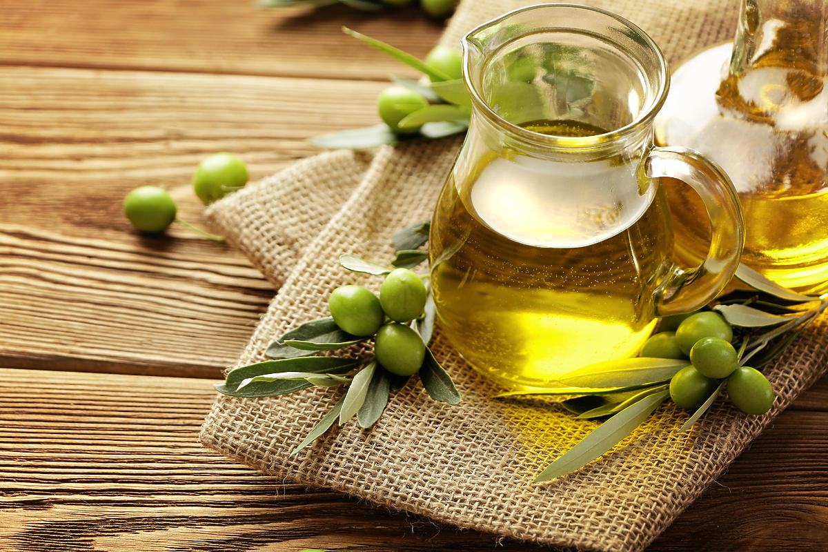 oliwa z oliwek i zielone oliwki