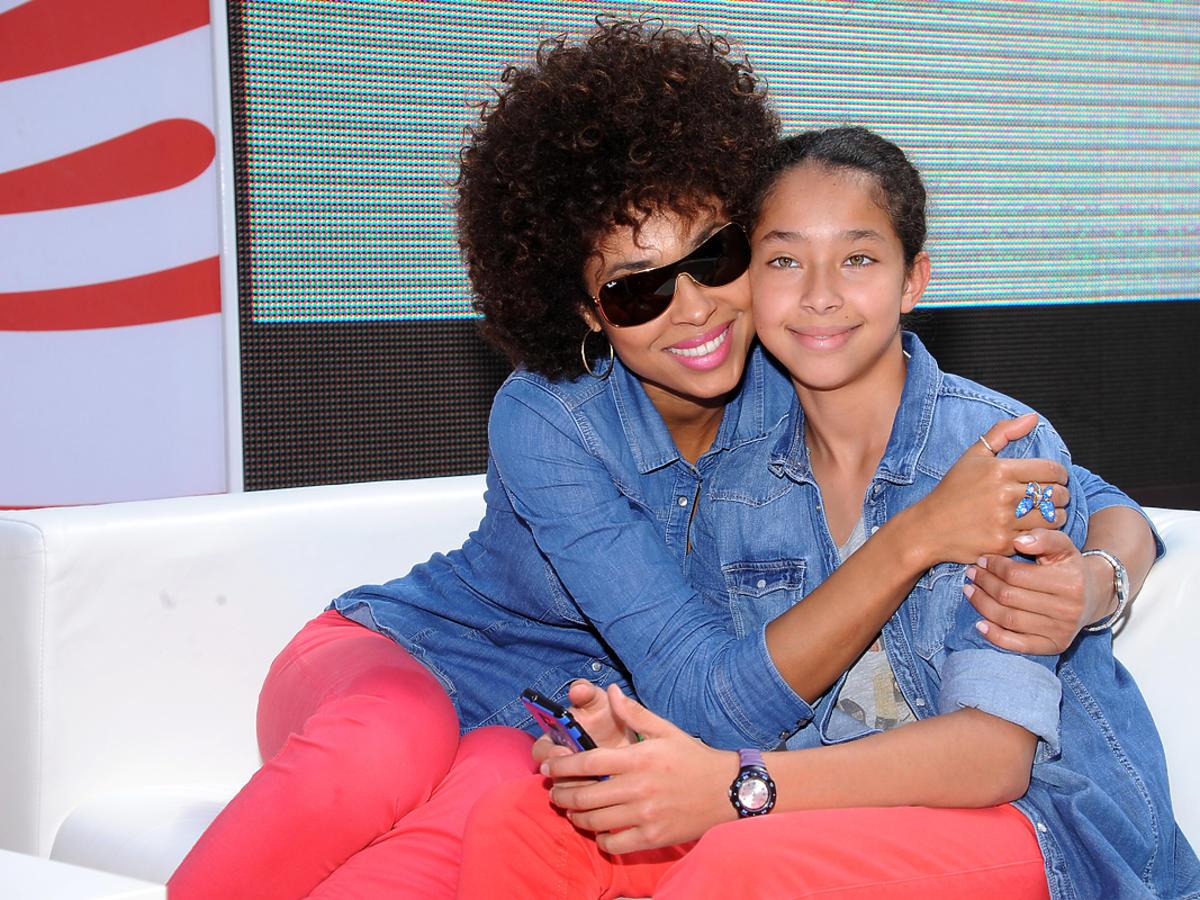 Omenaa Mensah córka Vanessa