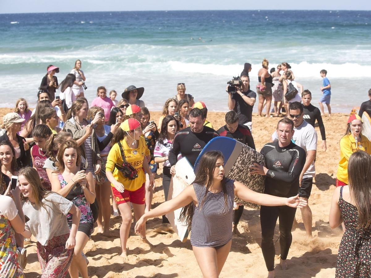 One Direction surfują w Sydney