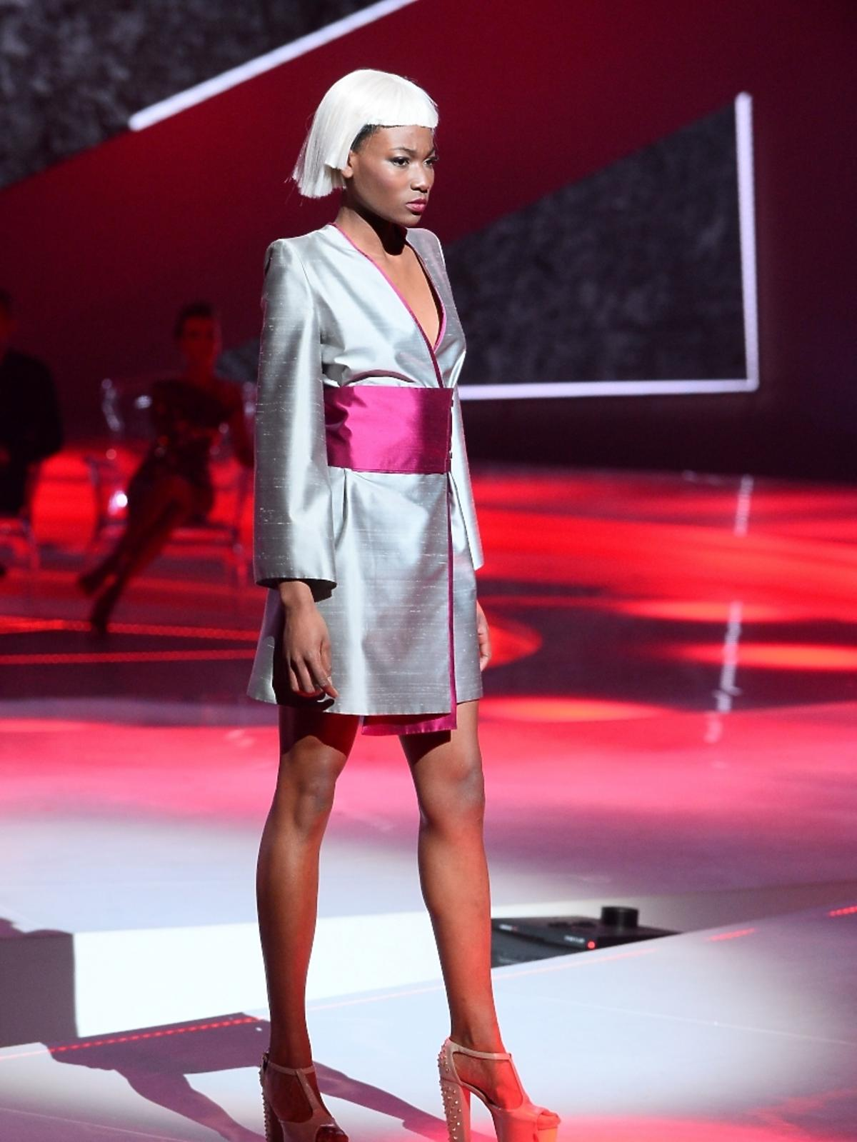 Osi Ugonoh na wybiegu w finale Top Model