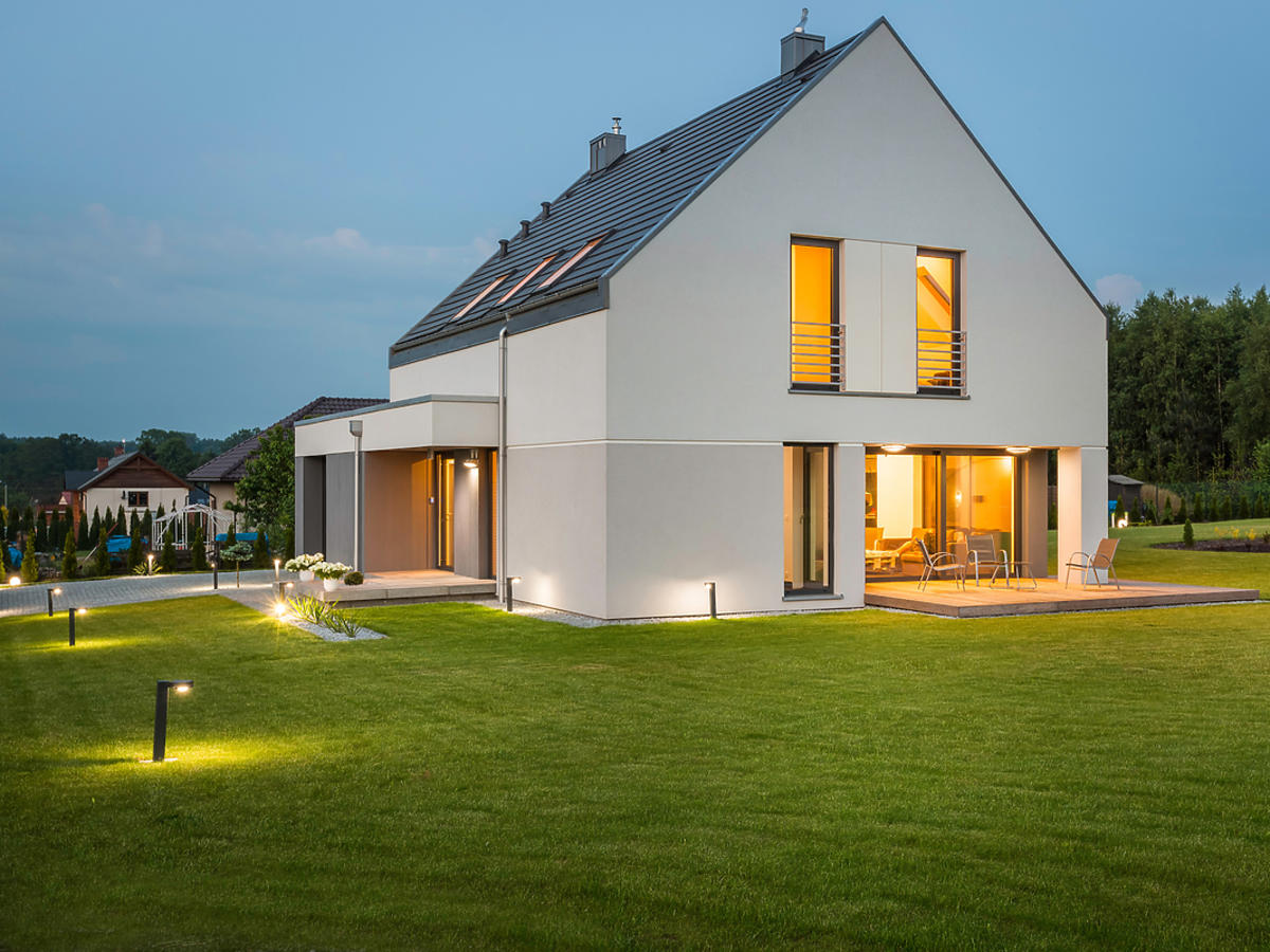 oswietlenie zewnętrzne domu