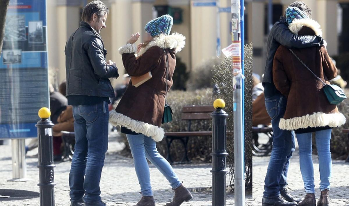 Paparazzi przyłapali Bartłomieja Topę z dziewczyną
