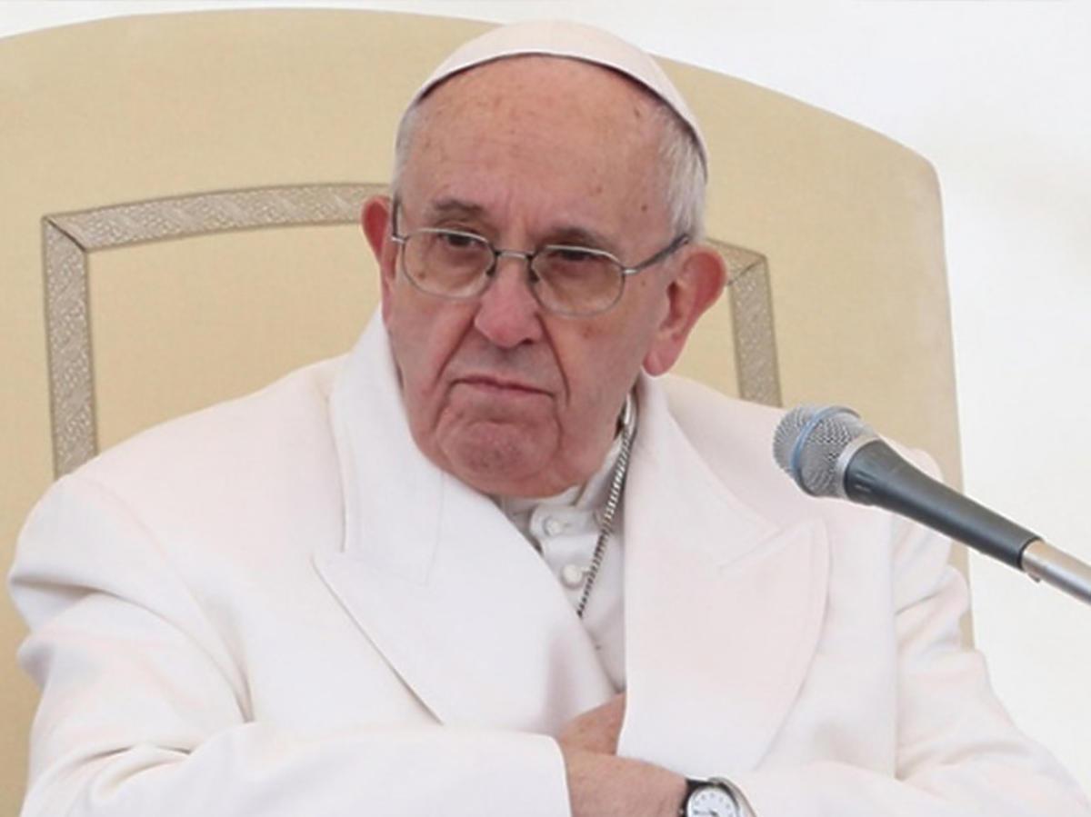 Papież Franciszek pobłogosławił pusty Plac Św. Piotra. Symbol pandemii koronawirusa w Europie