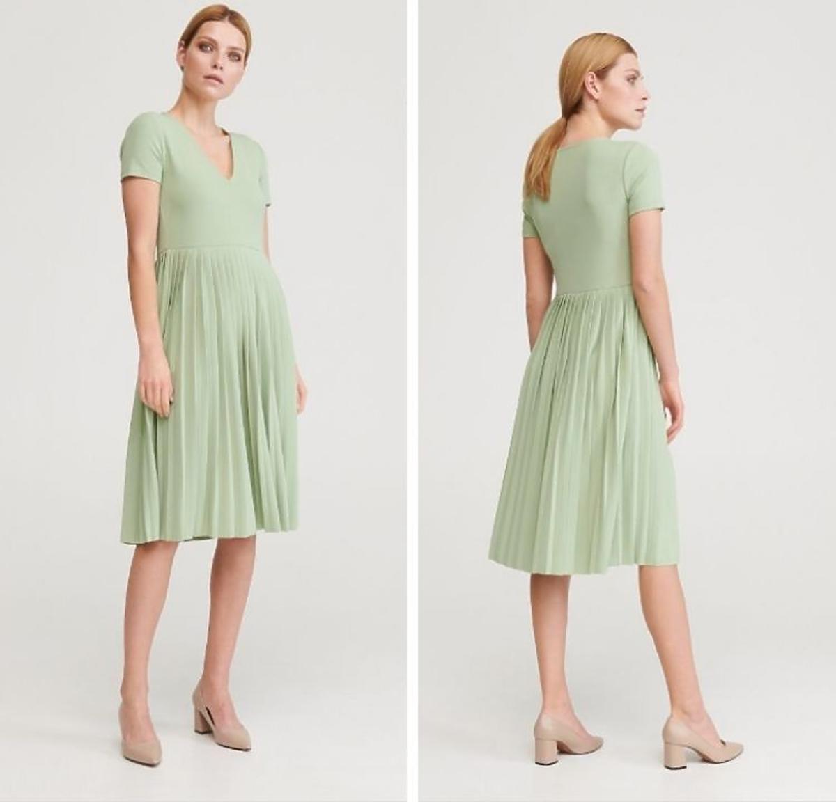 Pastelowa sukienka plisowana z Reserved