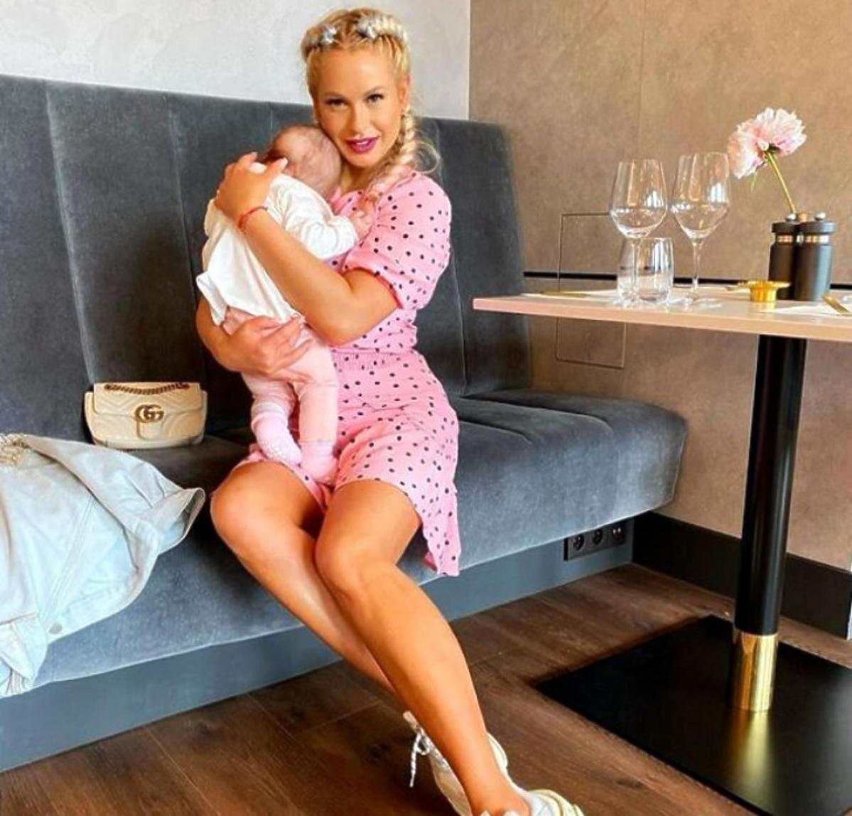 Paula Tumala z córką