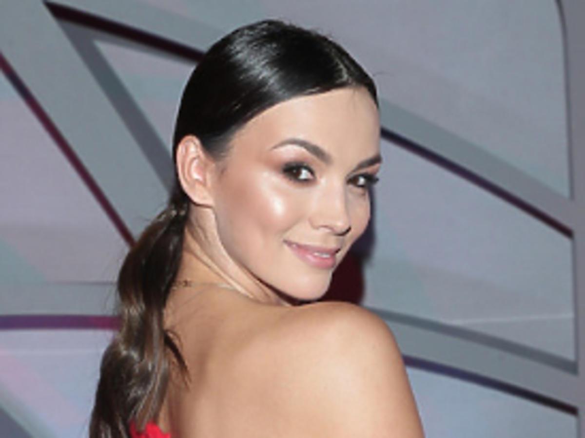 Paulina Krupińska w czerwonej sukience