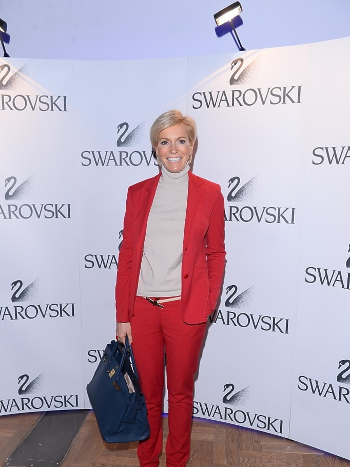 Paulina Smaszcz-Kurzajewska w czerwonym garniturze