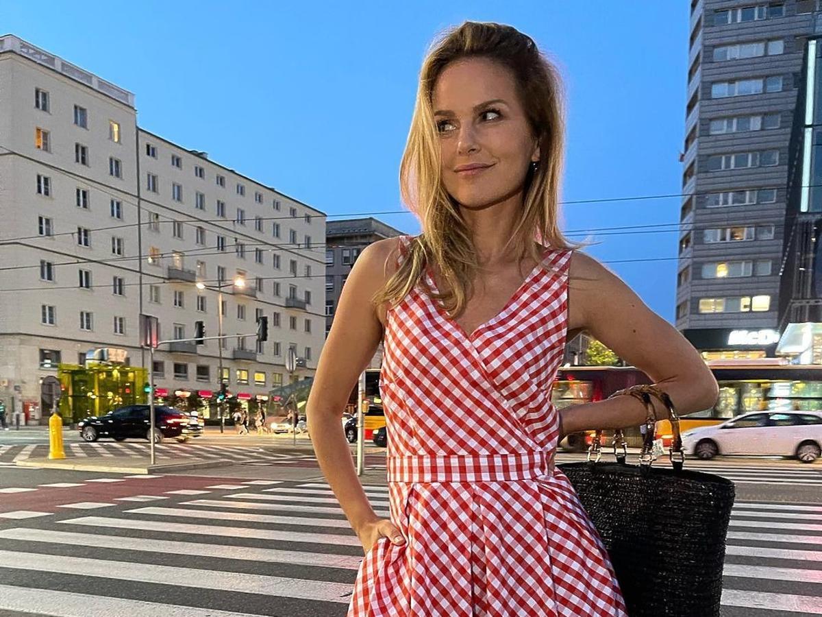 Paulina Sykur-Jeżyna w modnej sukience