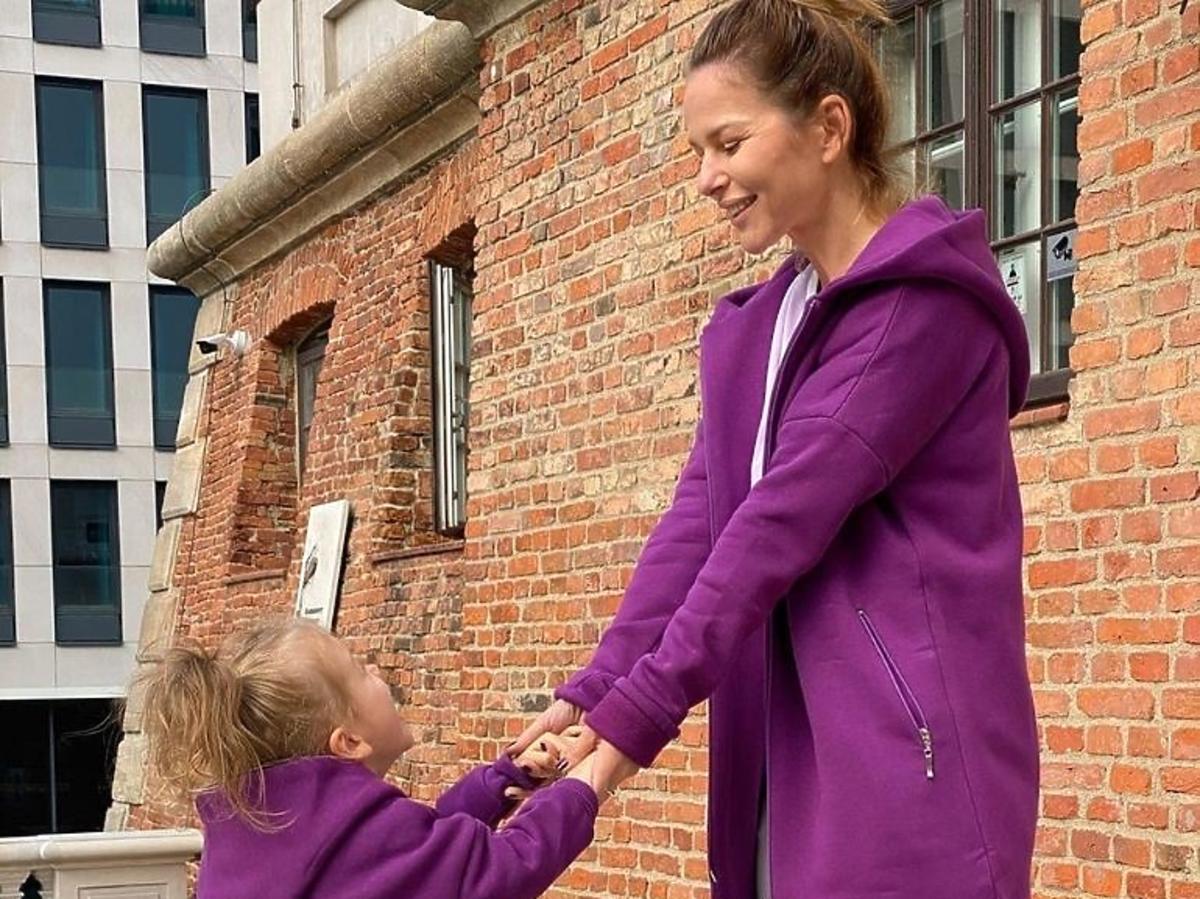 Paulina Sykut z córką w identycznych stylizacjach