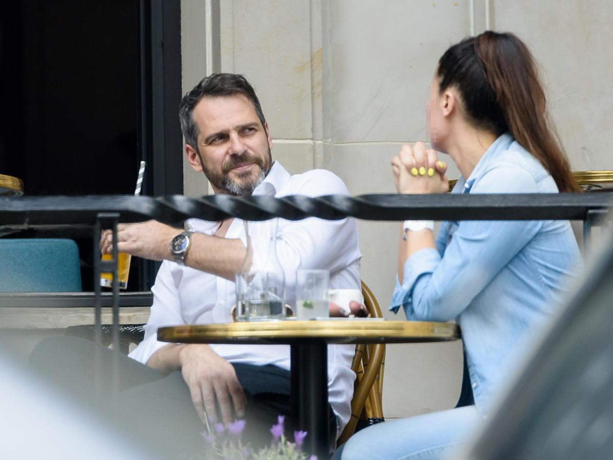 Paweł Deląg na spotkaniu z tajemniczą kobietą