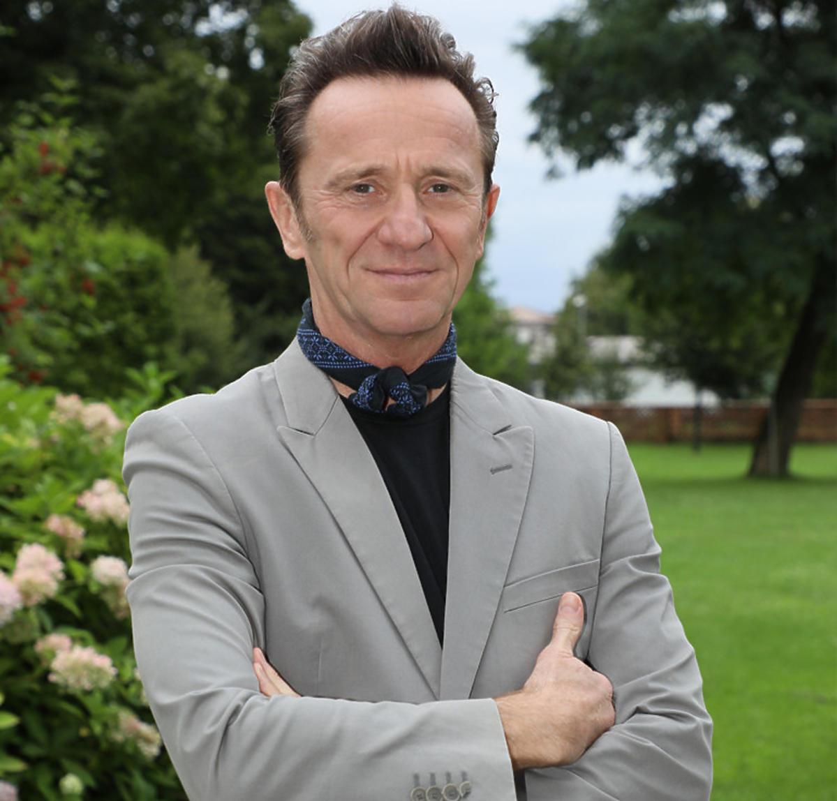 Paweł Wilczak na konferencji serialu Usta Usta