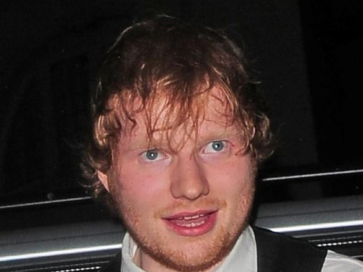 Pijany Ed Sheeran na Brit Awards 2015