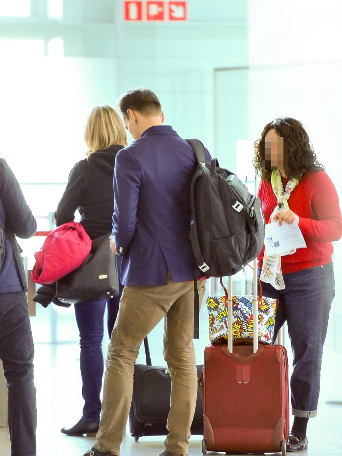 Piotr Kraśko na lotnisku