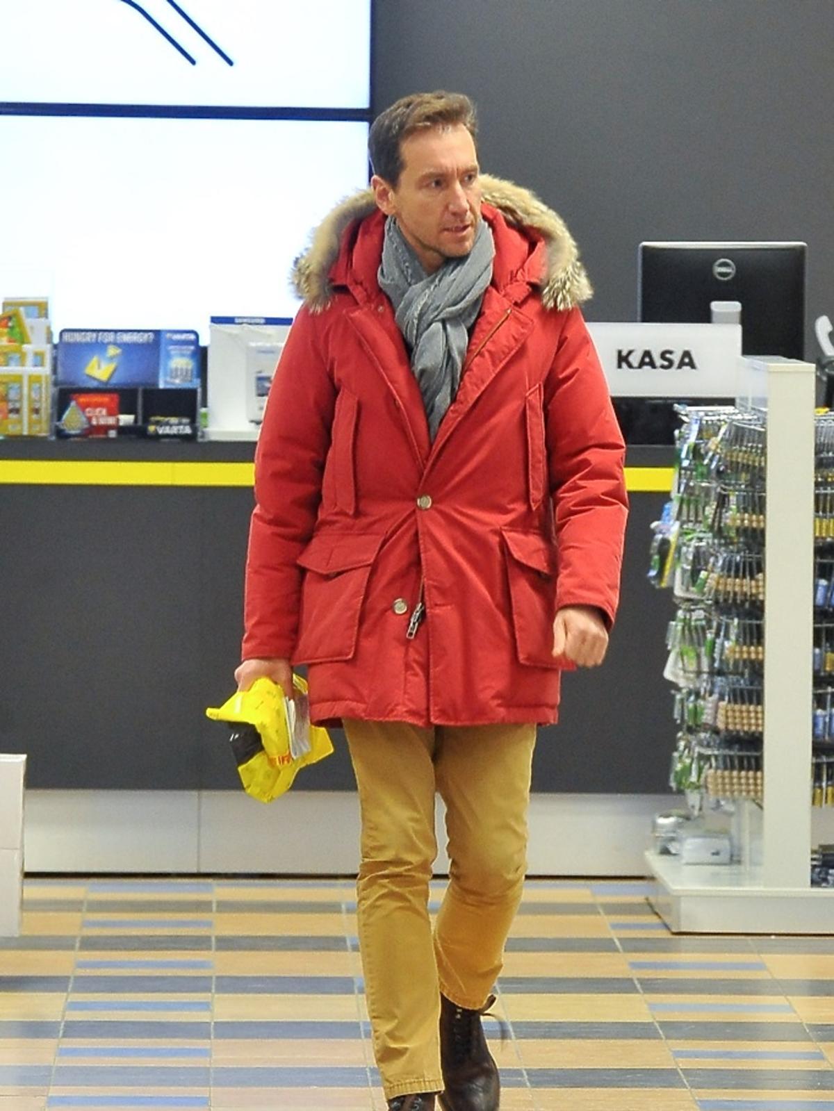 Piotr Kraśko w czerwonej kurtce