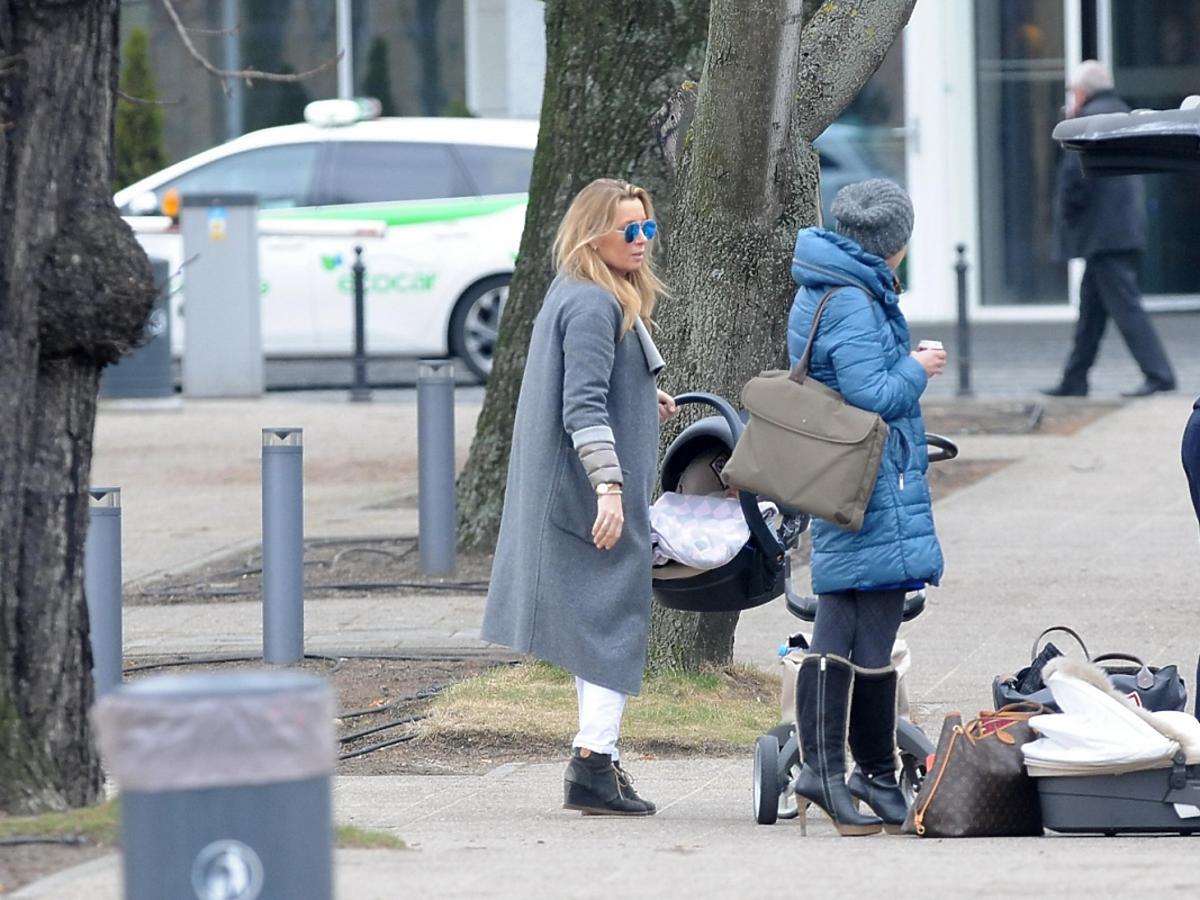 Piotr Kraśko z żoną i córką w Sopocie