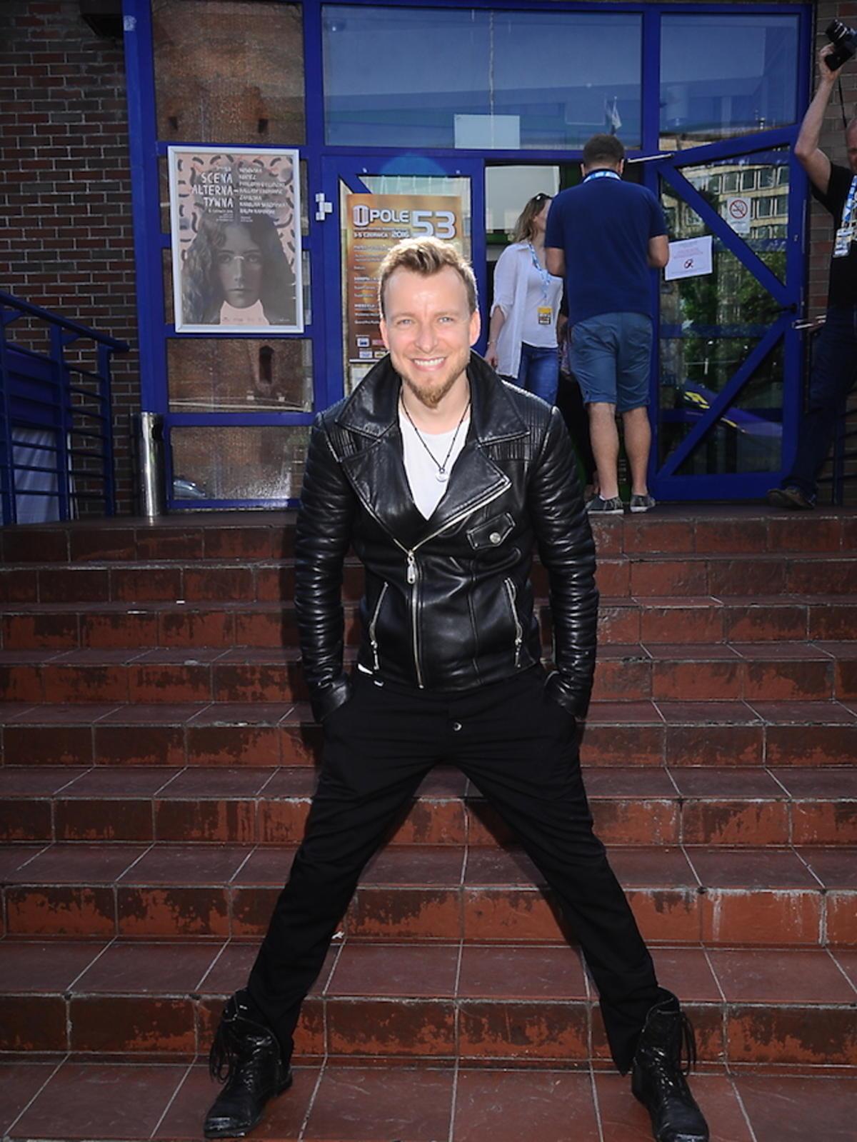 Piotr Kupicha w czarnej kurtce