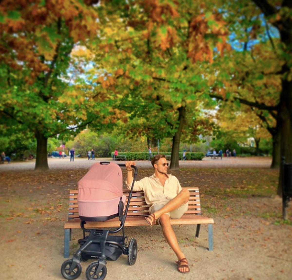 Piotr Stramowski z wózkiem