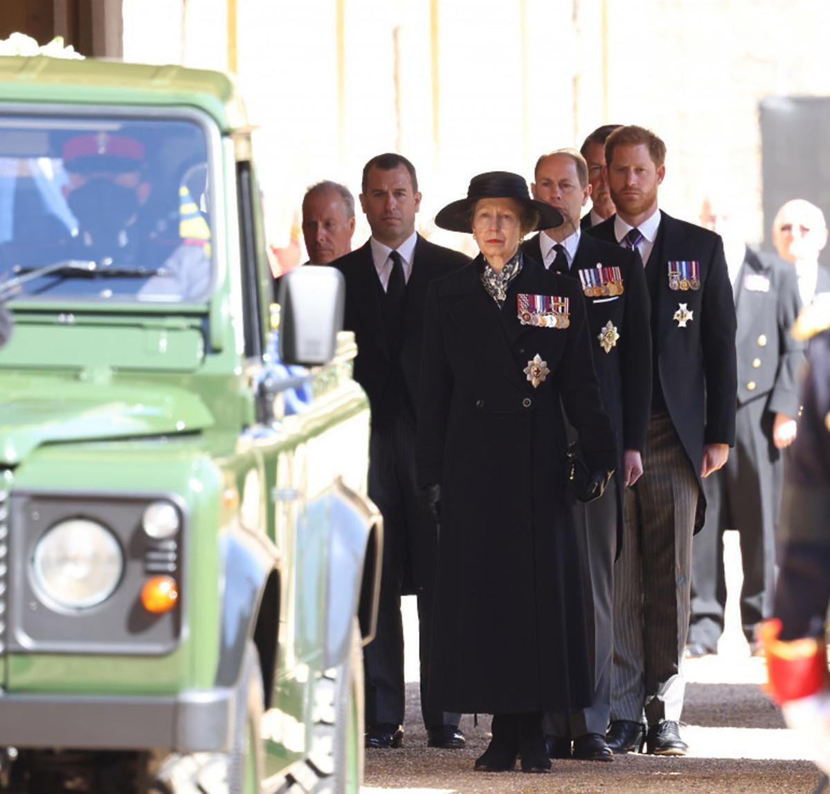 Pogrzeb księcia Filipa, księżniczka Anna, książę Edward i książę Harry