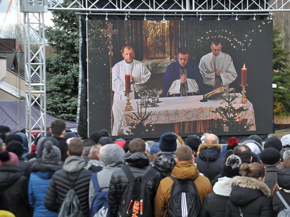 Pogrzeb ofiar pożaru w escape roomie w Koszalinie