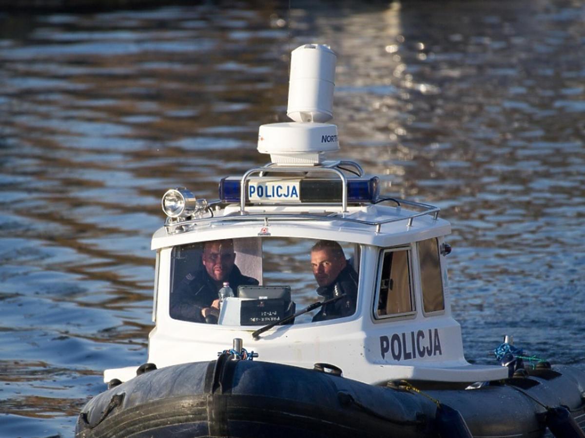 Poszukiwania 39-latka na jeziorze Kisajno