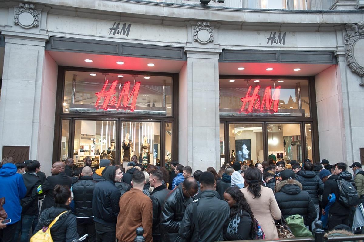 Premiera sklepowa kolekcji Balmain dla H&M - wielkie kolejki