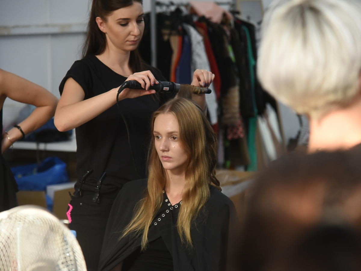 Produkty do stylizacji włosów Grundig zadbały o fryzury modelek na Flesz Fashion Night