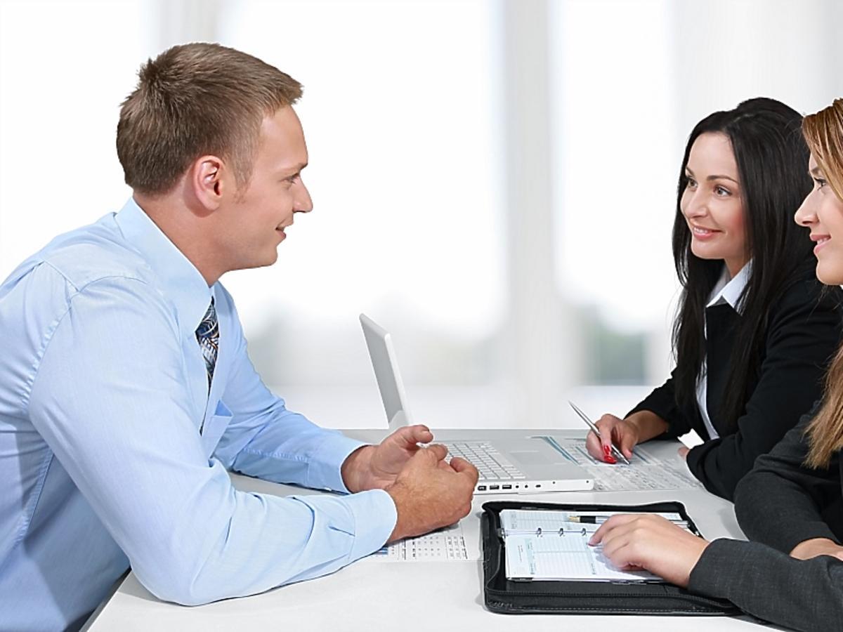 prowadzenie rozmowy kwalifikacyjnej