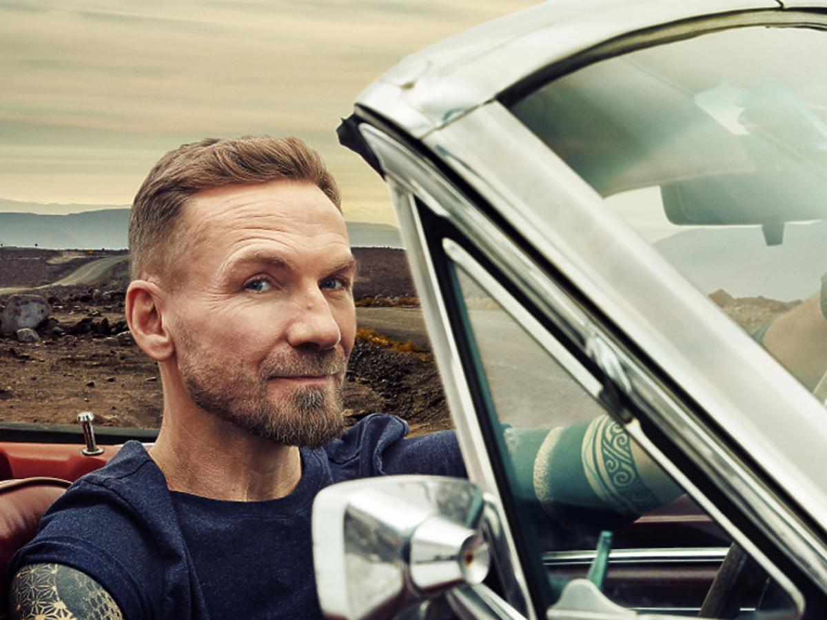"""Przemek Kossakowski w programie """"Down the Road"""""""