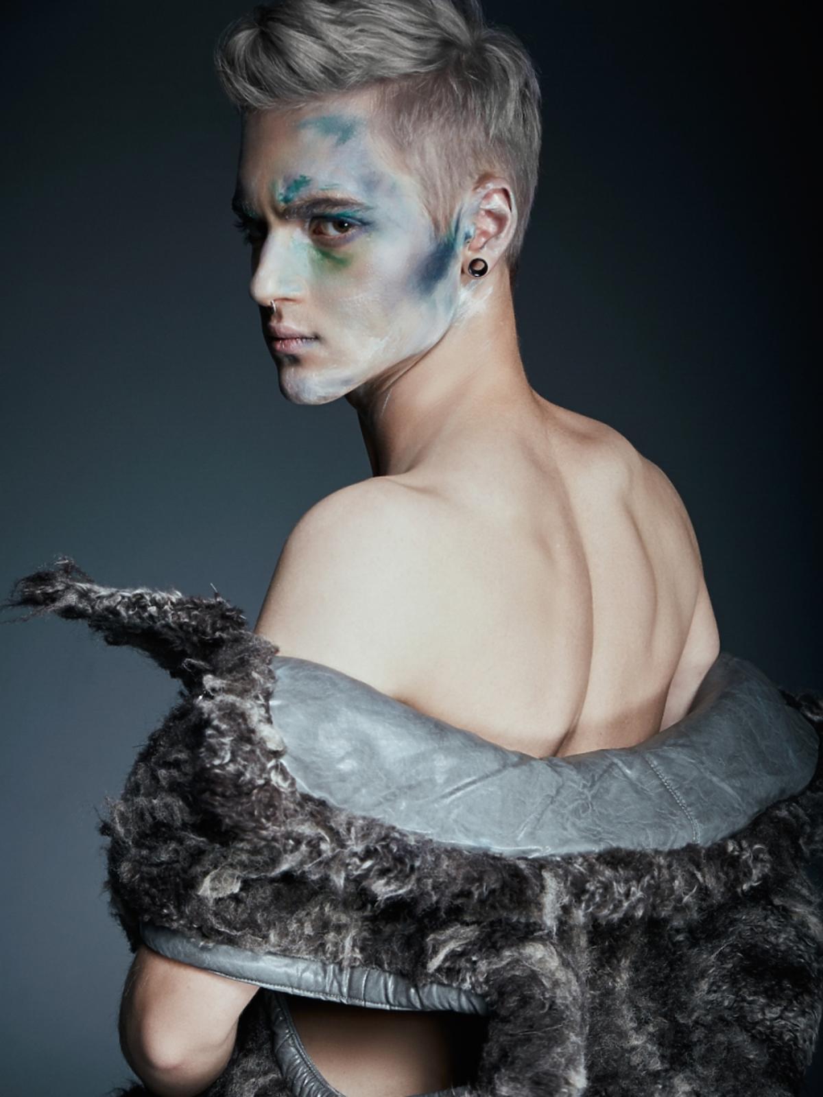 Radek Pestka z Top Model  w sesji zdjęciowej