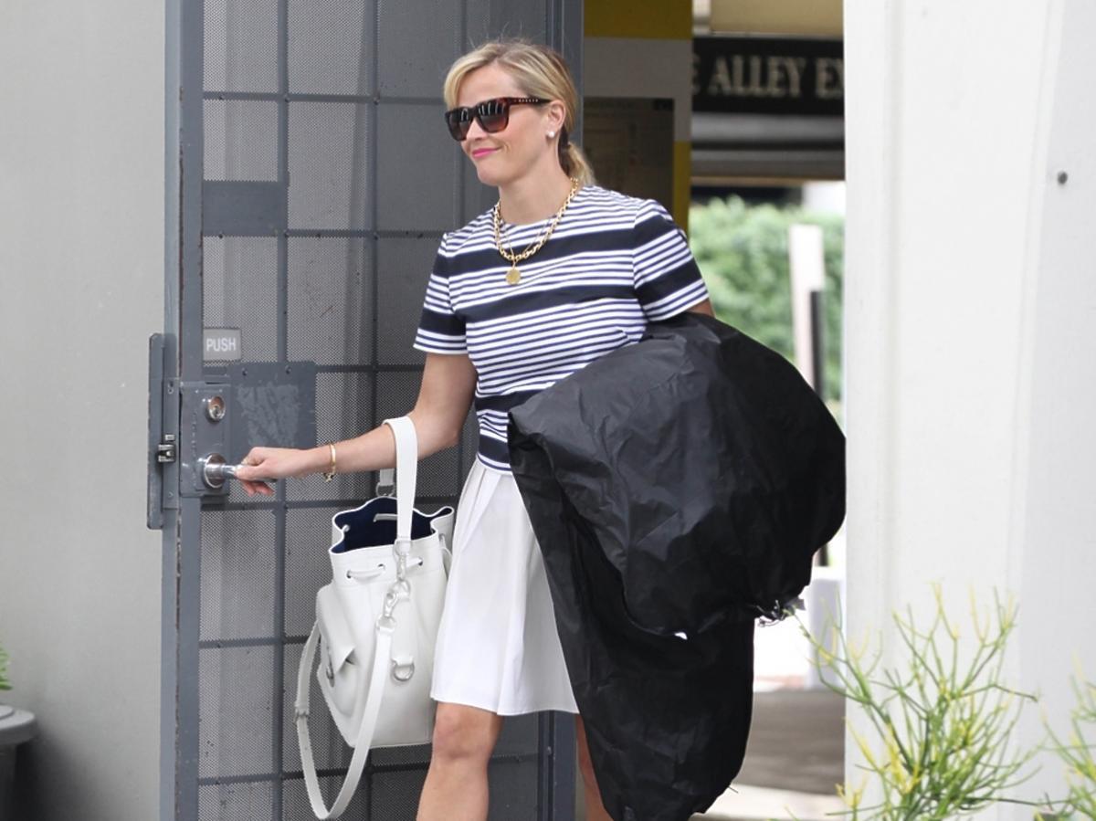 Reese Witherspoon z córką na zakupach