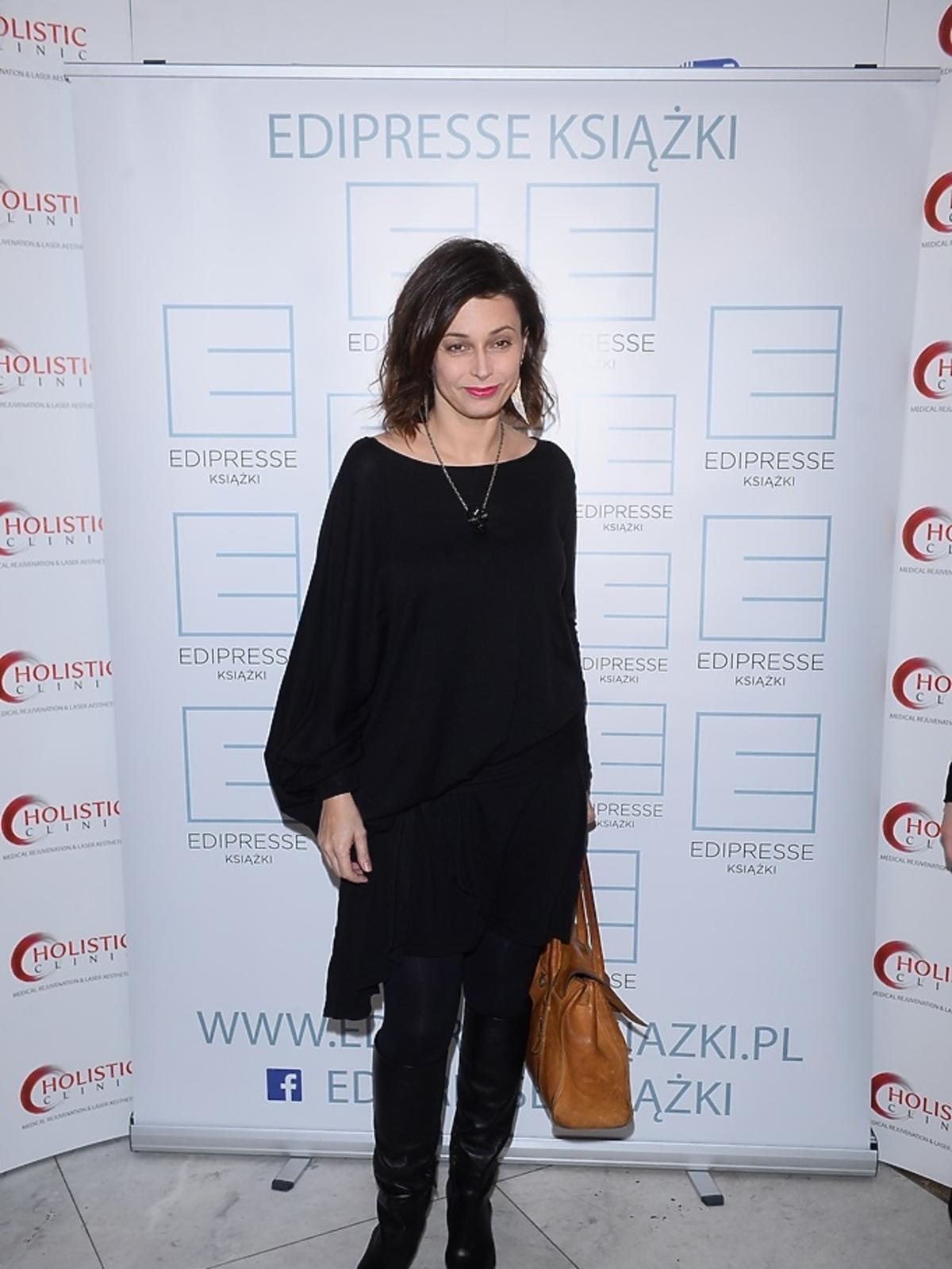 Renata Dancewicz ubrana na czarno